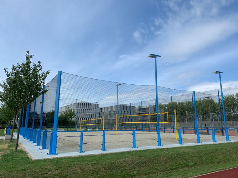 NEW BEACHVOLLEY BALL ALMOST READY TO USE