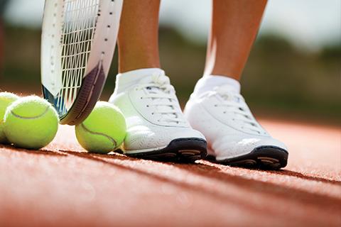 Conditioneel programma tennisschema's voor naast de tennisbaan